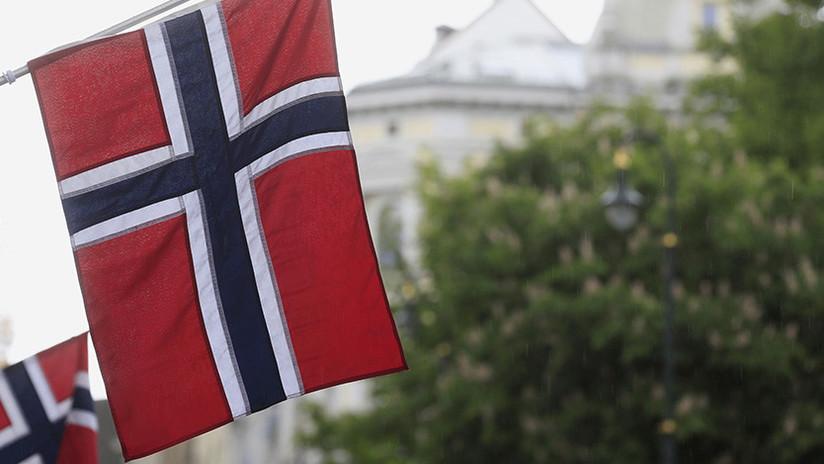 FOTO: El gesto de un anciano de origen español contra pro-nazis en Noruega se haсe viral