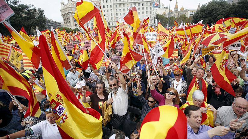 Multitudinaria manifestación en Barcelona a favor de la unidad de España