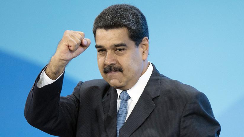 """Maduro sobre la """"profecía"""" de Bolívar, """"la guerra comunicacional"""" y """"el mundo más allá del dolar"""""""