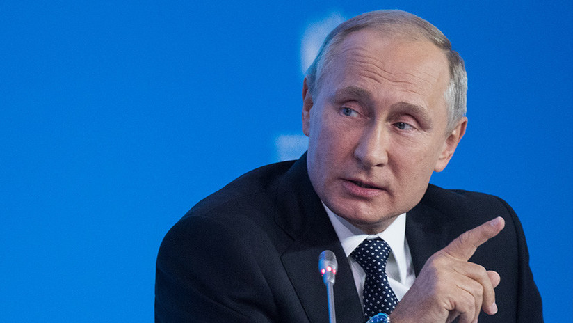 """""""Los tanques son buenos"""": Putin bromea al contestar a una pregunta sobre los coches eléctricos"""