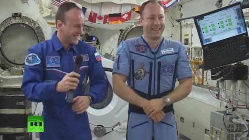 VIDEO: Cosmonautas rusos dan su versión sobre la teoría de que la Tierra es plana
