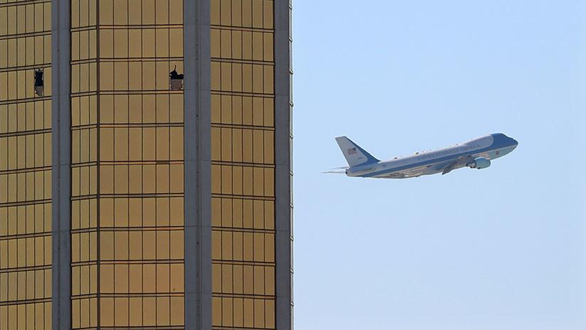 Foto impactante: El avión de Trump vuela junto al epicentro de la masacre de Las Vegas