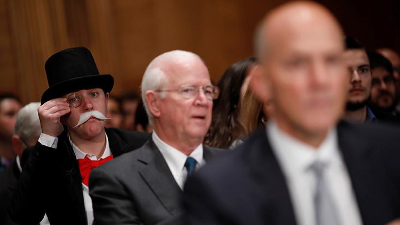 Del tablero al Senado: 'Mr. Monopoly' se deja ver con los grandes de la banca de EE.UU. (VIDEO)