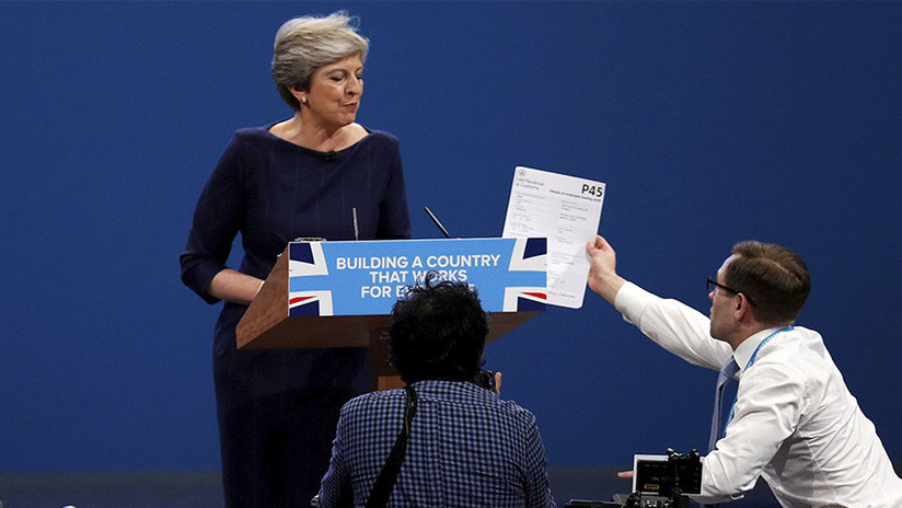 VIDEO: 'Despiden' a Theresa May en pleno discurso ante el Partido Conservador