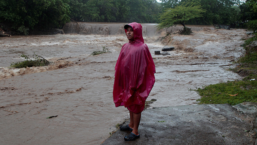 Video: La tormenta Nate causa 'mar de fondo' en costas de Nicaragua