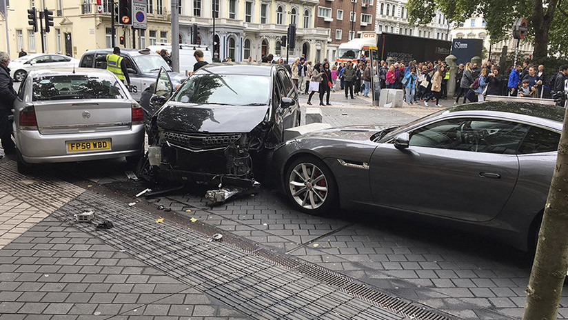 Varios heridos tras un atropello masivo con un auto — Londres