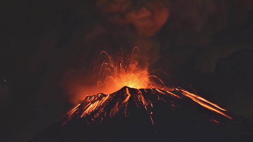 VIDEOS: El volcán mexicano Popocatépetl registra múltiples explosiones