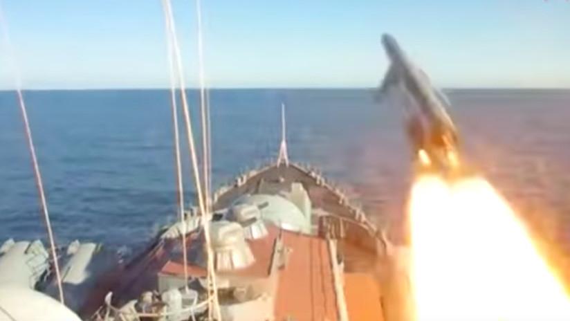 VIDEO: Captan infraganti a los 'asesinos de portaviones' rusos