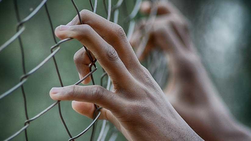 Prohibido tocar: Un británico puede ir a la cárcel en Dubái por rozar con la mano a un hombre