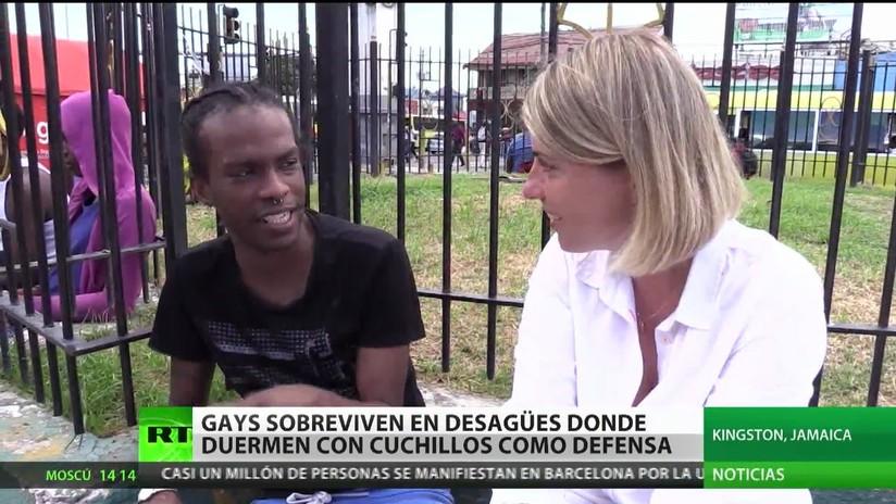 Gays de Jamaica sobreviven en desagües donde duermen con cuchillos para protegerse
