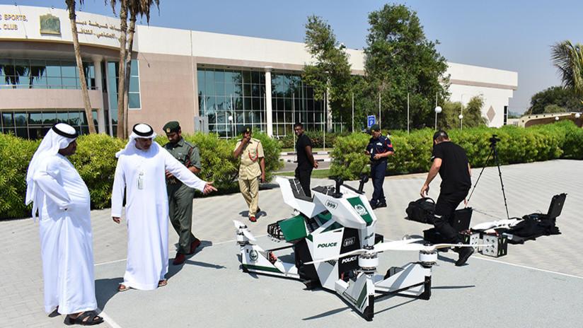 """""""Cómoda y segura"""": La Policía de Dubái prueba con éxito una innovadora aeromoto rusa (VIDEO Y FOTOS)"""
