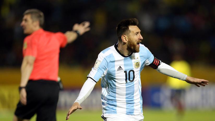 El corazón en la cancha: Argentina vence a Ecuador y clasifica al Mundial con un triplete de Messi