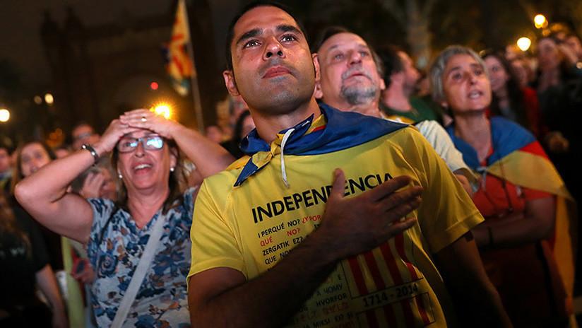 """Teníamos botellas de champaña"": Independentistas europeos reaccionan ante incertidumbre en Cataluña"