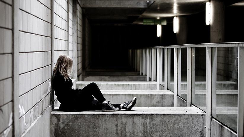 Violan a una mujer que se iba a suicidar desde un puente