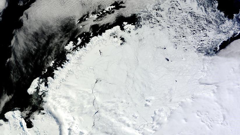 Un gigante y misterioso agujero descubierto en la Antártida deja perplejos a los científicos (FOTOS)