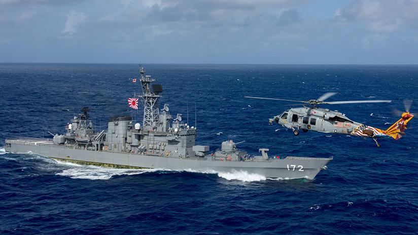 El portaviones USS Ronald Reagan hace ejercicios con buques japoneses antes de dirigirse a Corea