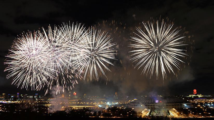 VIDEO: Moscú acoge con fuegos artificiales el Festival de la Juventud y los Estudiantes