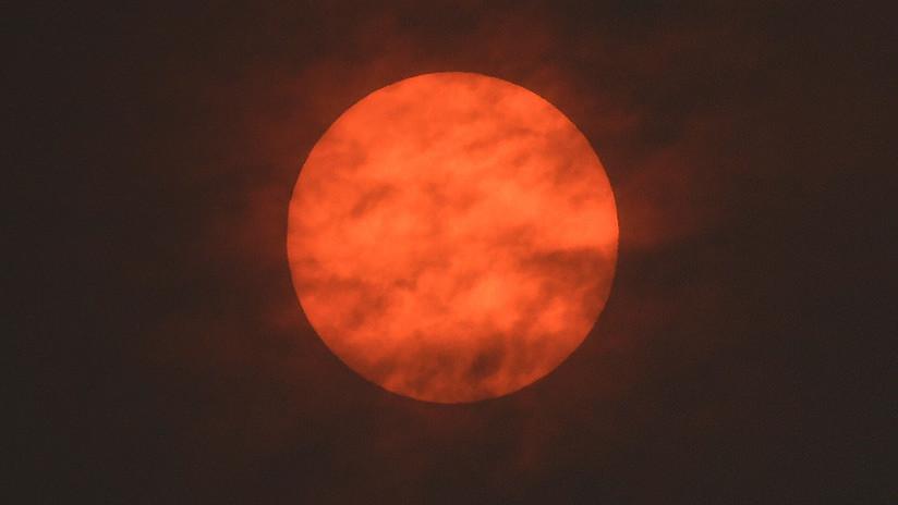 """""""¡Se acerca el apocalipsis!"""": El cielo del Reino Unido se volvió rojo (FOTOS)"""