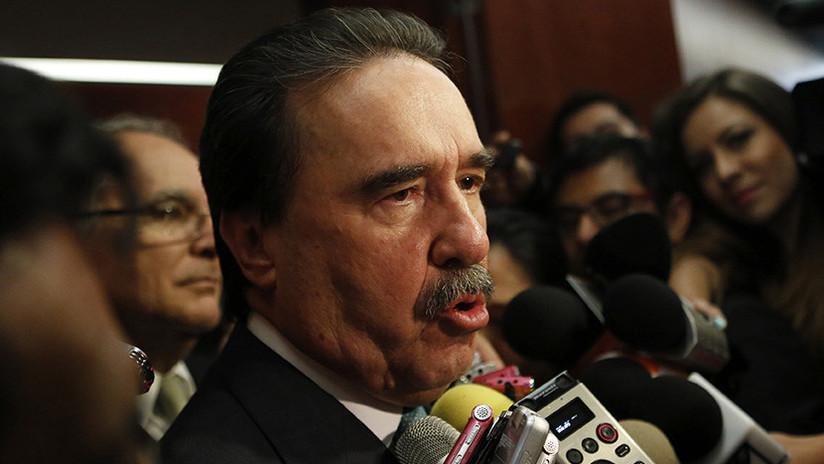 """Al golf en helicóptero: El lujoso """"arribo"""" de un senador causa revuelo en México"""