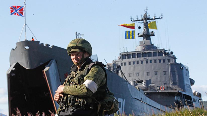 Impactantes imágenes: La Flota rusa prueba trepidantes tácticas de tiro y desembarco en el Pacífico