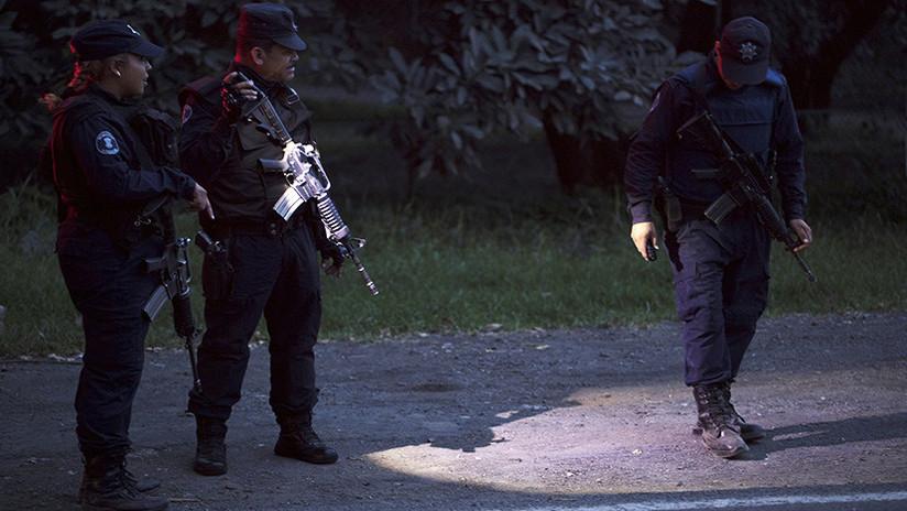 Hombres armados incendian viviendas y toman un poblado del norte de México