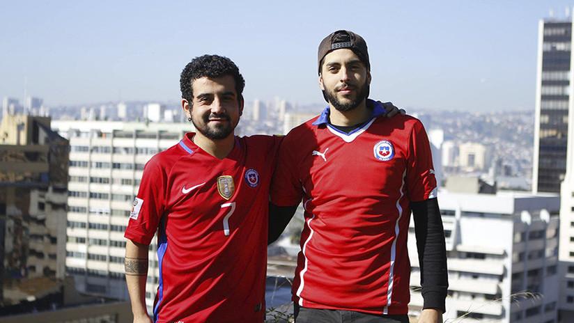 Dos chilenos se dirigen a pie al Mundial de Rusia pero les falla su selección