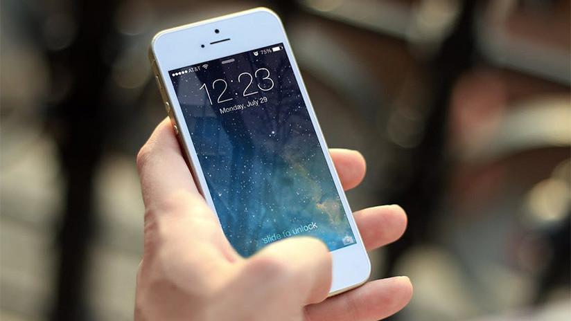 VIDEO: Así se 'hackea' un iPhone bloqueado para acceder a las fotos