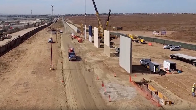 VIDEO: Erigen prototipos del muro fronterizo de Trump en California
