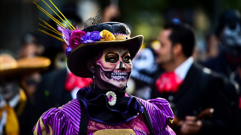 Calaveras, disfraces y colores: México se prepara para celebrar el Día de los Muertos