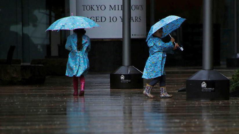 Un escalofriante video recogió el alerta a Tokio ante el paso del tifón LAN
