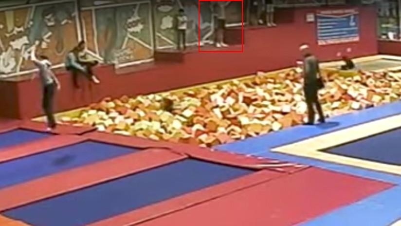 FUERTE VIDEO: Graban el salto mortal que le costó la vida a un político ruso