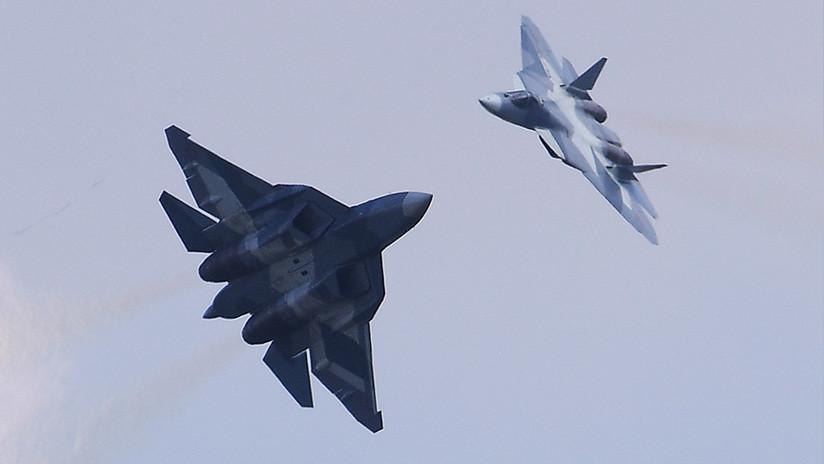 Revelan cómo sería la batalla del siglo entre los cazas de quinta generación F-22 y Su-57