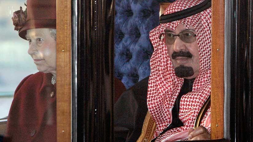 La 'insólita' actividad cotidiana de la reina Isabel II que aterrorizó al rey de Arabia Saudita