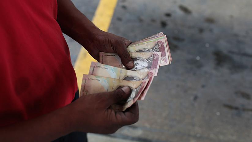 """El """"castigo de la inflación"""" como arma de guerra en Venezuela"""