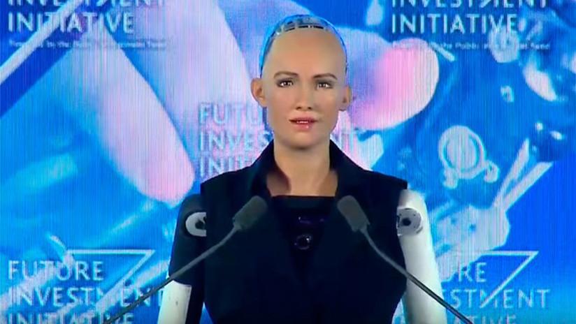 """""""Si eres amable conmigo, seré amable contigo"""": Arabia Saudita otorga ciudadanía a un robot"""