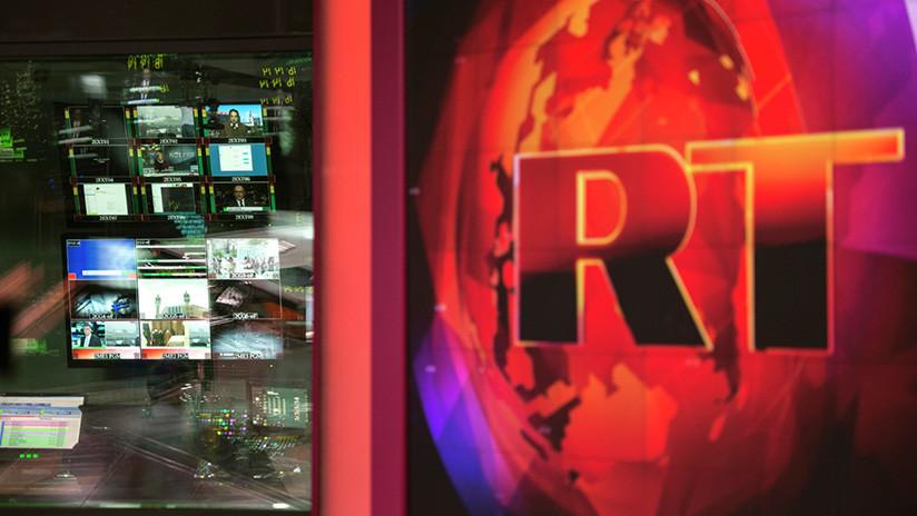 Hoy Twitter bloquea a RT, ayer un director de Twitter se fotografiaba en nuestro estudio (FOTO)