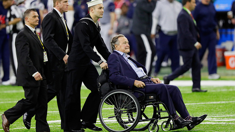 Tres celebridades acusan a George Bush padre de acoso sexual