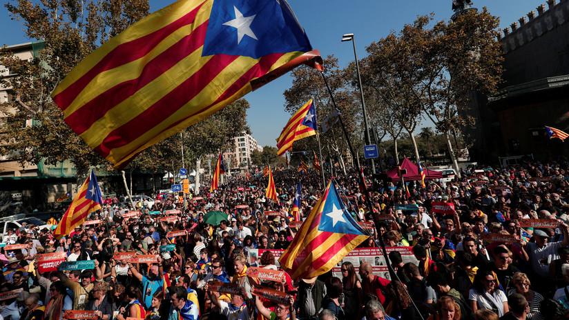 Cataluña se declara independiente y el mundo reacciona (MINUTO a MINUTO)