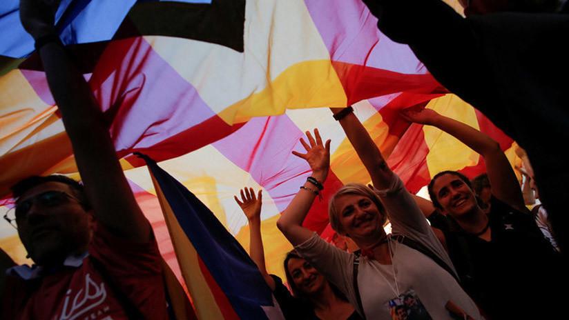 """""""Tanques en las calles de Barcelona"""": España y Cataluña al borde de un desenlace violento"""