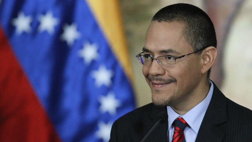 El ministro venezolano de Comunicación arremete contra la censura de Twitter en apoyo a RT