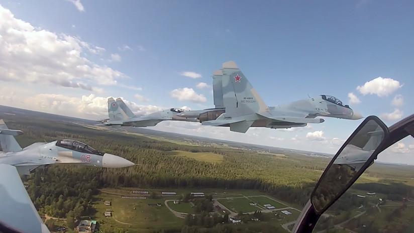 Video impresionante: Maniobras de alto pilotaje del ultramoderno caza ruso Su-30SM