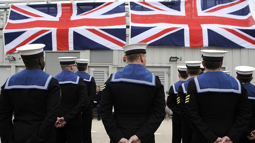 Sigue el escándalo del submarino británico: un marinero del Vigilant le robó dinero a una prostituta