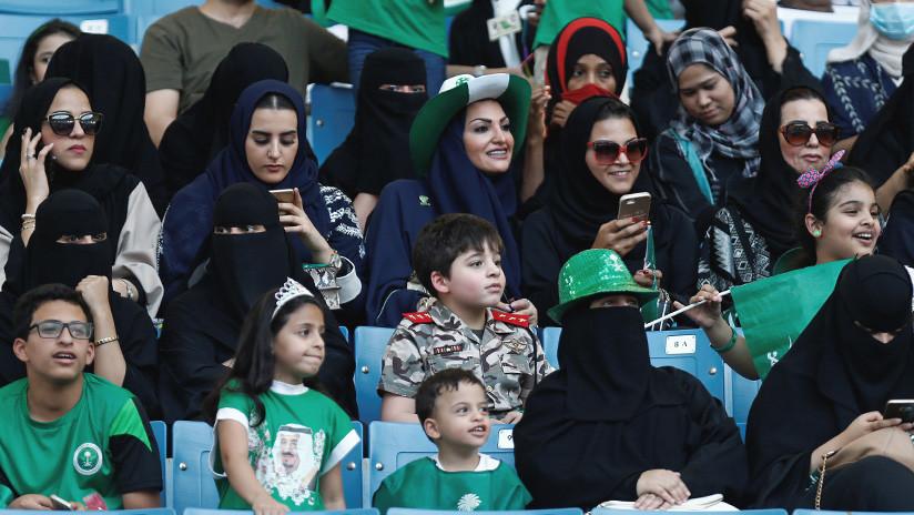 Histórico: Las mujeres de Arabia Saudita podrán asistir a eventos deportivos