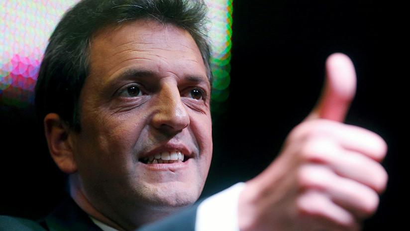 ¿Poderes telequinéticos? Algo extraño sucede con un político argentino en este video viral