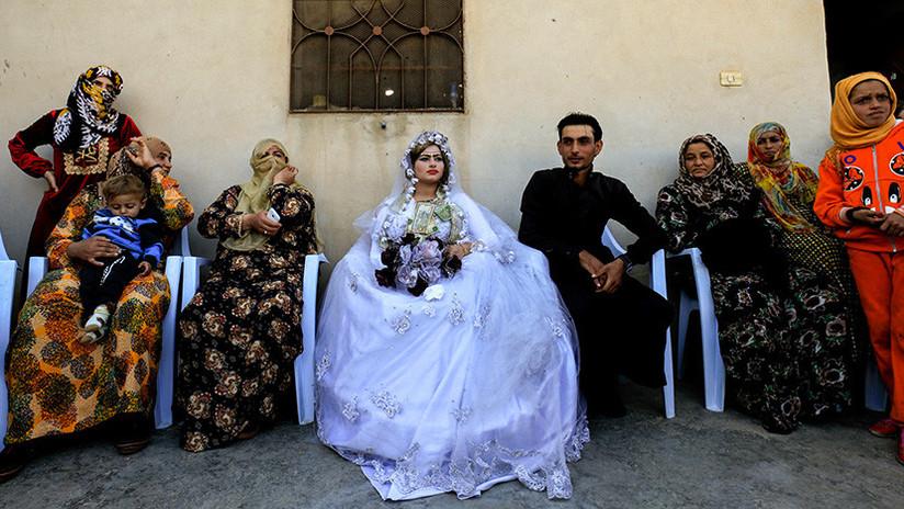 """""""Saboreamos la vida de nuevo"""": Primera boda en Raqa tras la expulsión del Estado Islámico (FOTOS)"""