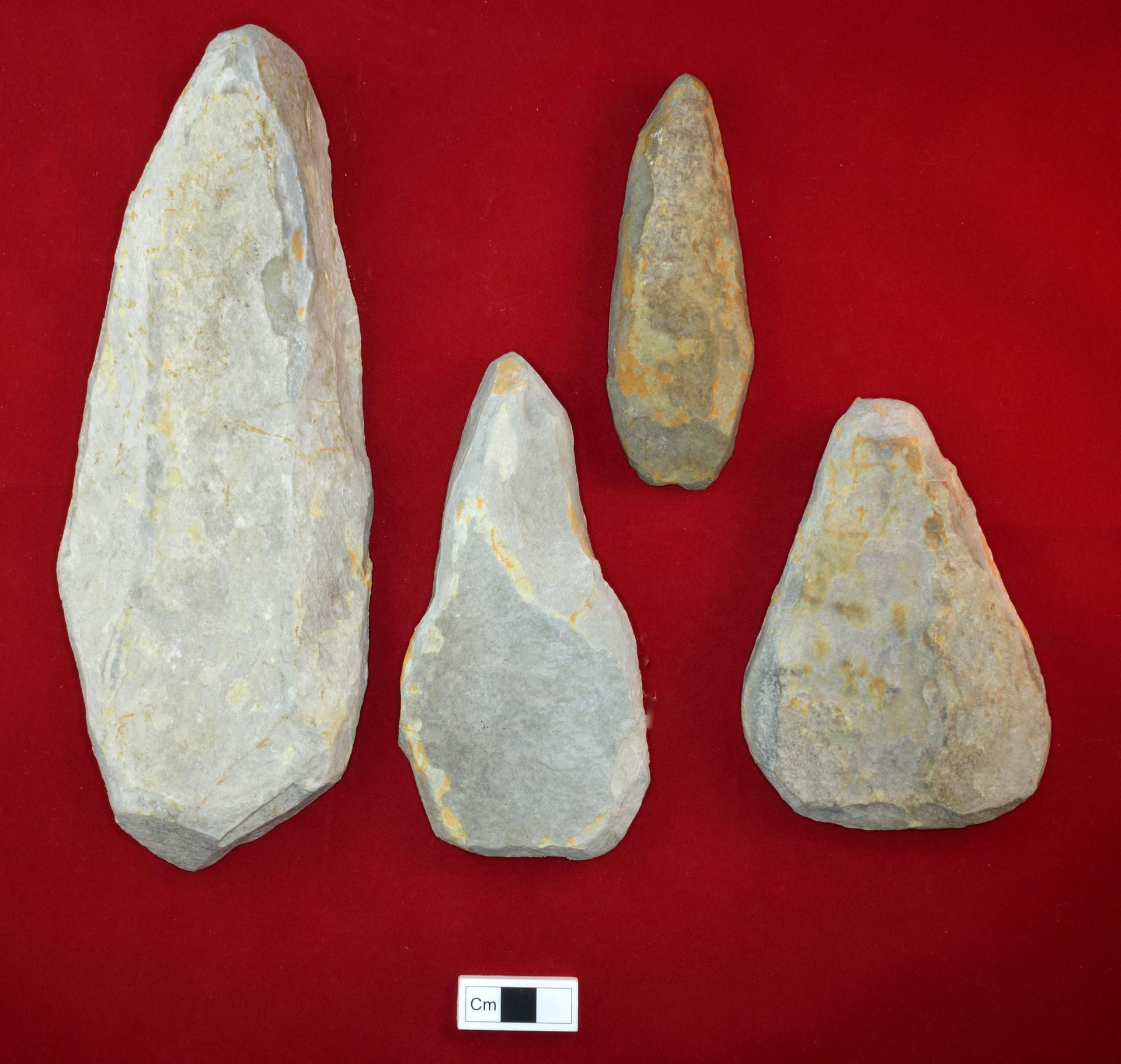 Hallan misteriosas herramientas de piedra en un yacimiento - Herramientas para piedra ...
