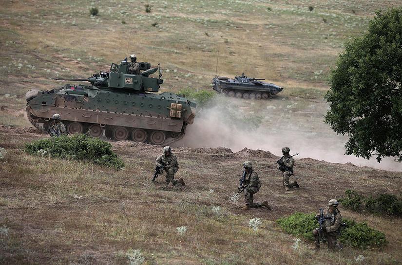 Miembros del Ejército de EE.UU. durante las maniobras Peace Sentinel 2017, Bulgaria, el 15 de julio de 2017.