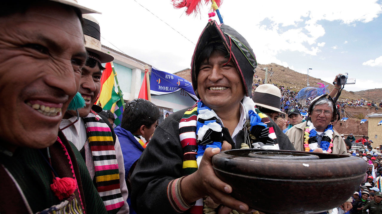impact of evo morales and the cocaleros in bolivia In december 2005 evo morales, an indigenous aymara and the leader of the  chapare coca growers union, won a landslide victory in bolivia's presidential   unions (known as cocaleros or coca growers) frequently echoed evo's words,  they  and membership of the mas party and this has a profound impact on the  way.