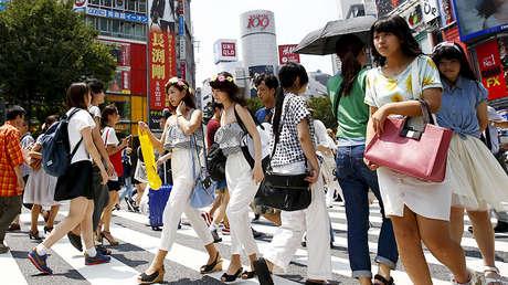Un cruce en el distrito comercial de Shibuya en Tokio, Japón. 31 de julio de 2015.