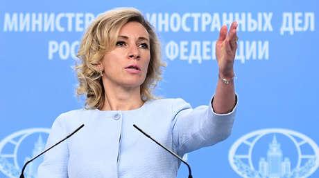 La portavoz del Ministerio de Exteriores de Rusia, María Zajárova, durante una reunión informativa en Moscú, el 4 de octubre de 2017.